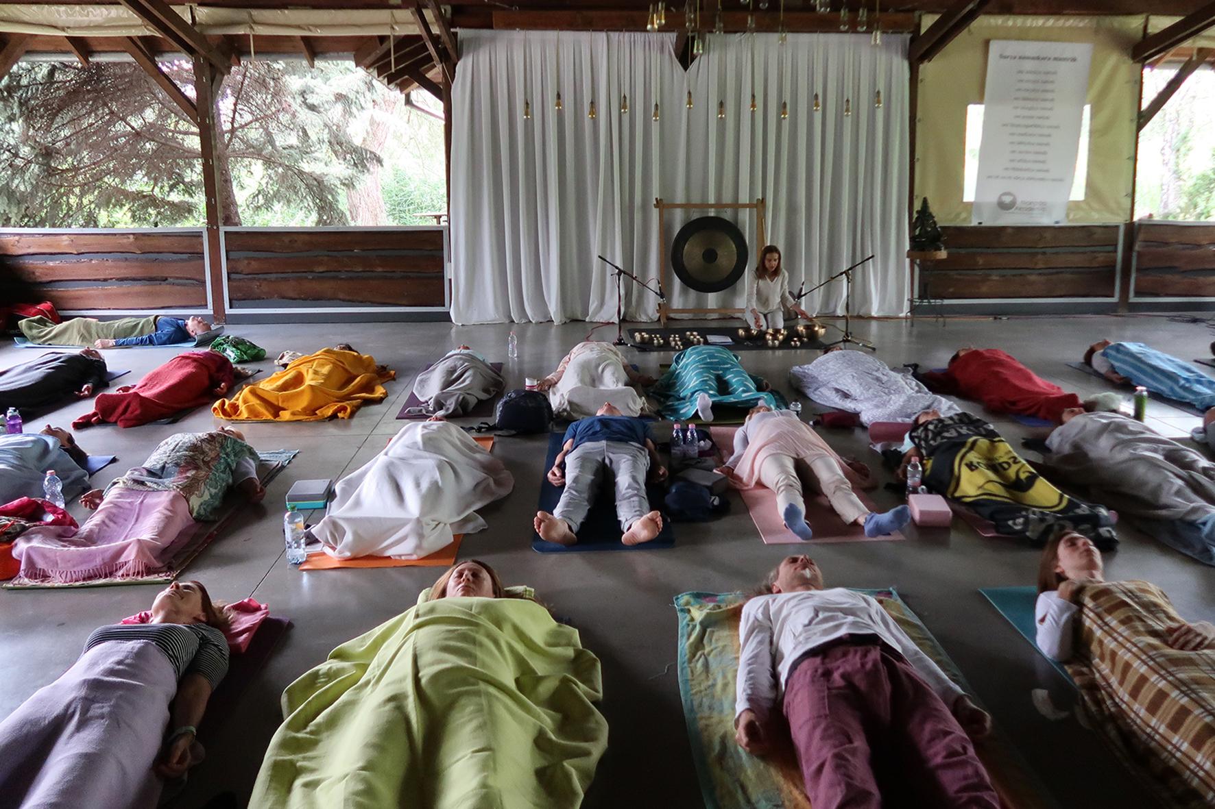 Szakrális énekek - jóga tábor